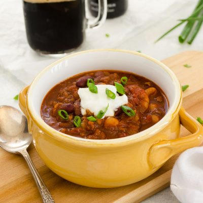 Guinness Beef Chili is a hearty flavorful chili with plenty of spice and Guinness beer! It's made in 30 minutes for a quick and easy St. Patrick's Day dinner! @FlavortheMoment