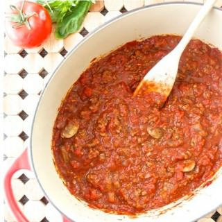 Meat Sauce with Red Wine and Mushrooms