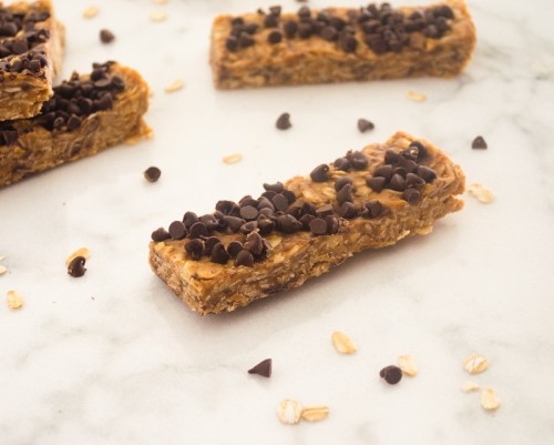 no bake peanut butter chocolate chip energy bars5 | flavorthemoments.com