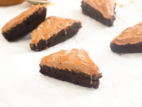 salted caramel cocoa brownies4