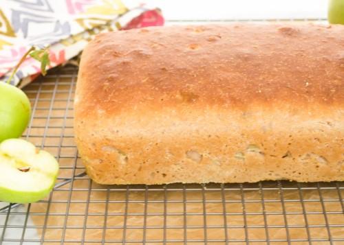 apple-cinnamon-english-muffin-bread4 | flavorthemoments.com