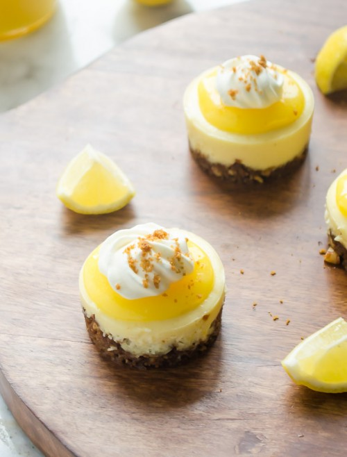 mini-lemon-cheesecakes-with-gingersnap-crust3 | flavorthemoments.com