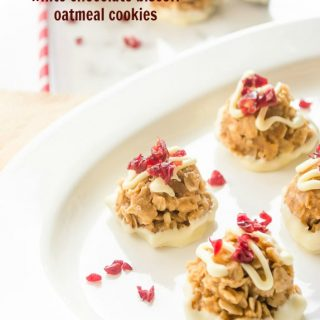 No Bake White Chocolate Biscoff Oatmeal Cookies