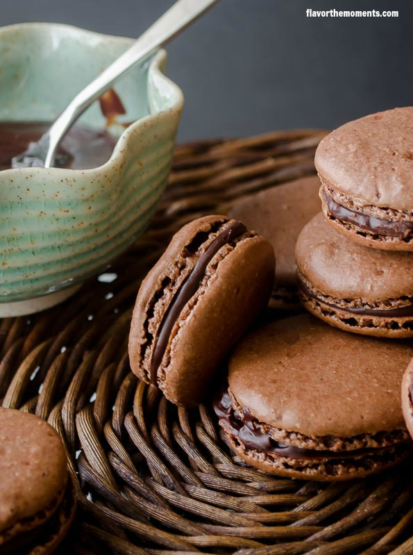 chocolate-hazelnut-macarons2 | flavorthemoments.com