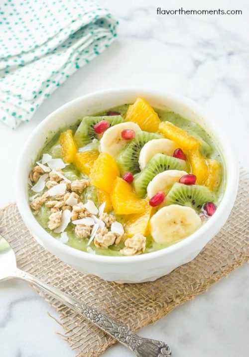 green-coocnut-kiwi-banana-smoothie-bowl2 | flavorthemoments.com