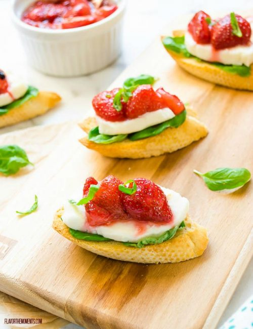 roasted-strawberry-caprese-crostini2 | flavorthemoments.com