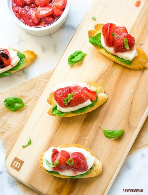 roasted-strawberry-caprese-crostini3 | flavorthemoments.com