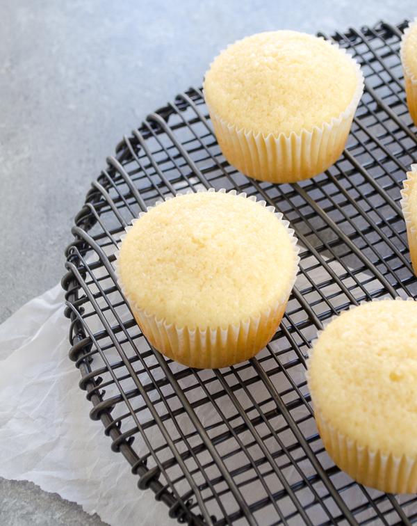 vanilla-cupcakes