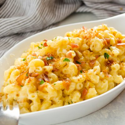 Easy One Pot Stove Top Mac and Cheese is the easiest way to make homemade macaroni and cheese! It's creamy, cheesy, and you've only got one pot to wash! @FlavortheMoments