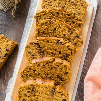 Healthier One Bowl Pumpkin Chocolate Chip Bread is a healthier take on pumpkin bread that's made in one bowl! @FlavortheMoment