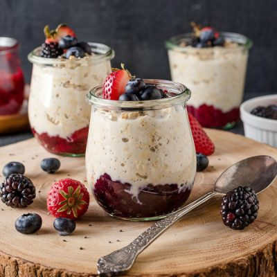 Chia Jam Overnight Oats are creamy overnight oats with sweet chia seed jam mixed right in.  They're a great meal prep breakfast! {GF, DF, V} #overnight #oats #breakfast #chia #jam #healthy #mealprep #recipe #glutenfree #dairyfree #vegan #plantbased #cleaneating