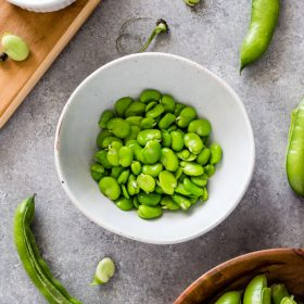 Produce of the Month Guide: Fava Beans is an informative guide for fava beans and includes a round of 21 delicious fava bean recipes!