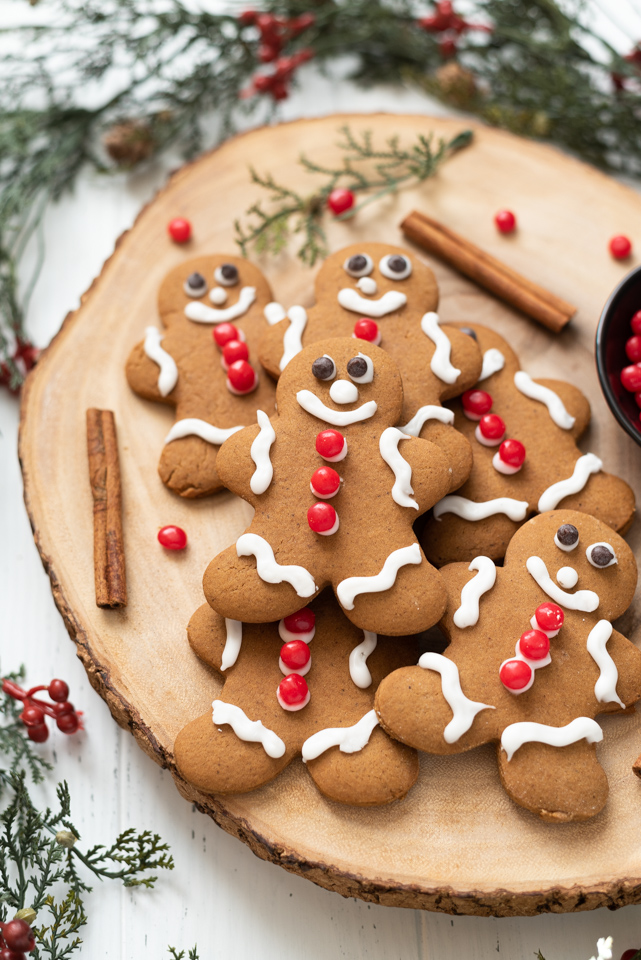 Gingerbread man cookies on a wooden server