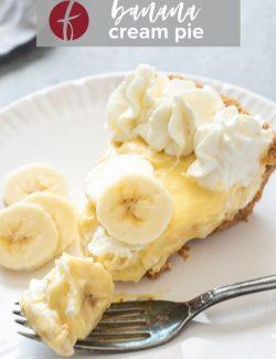Banana cream pie recipe Pinterest pin 1